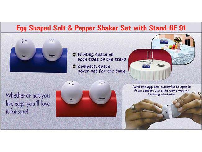 GE91 - Egg shaped salt & pepper shaker set with stand